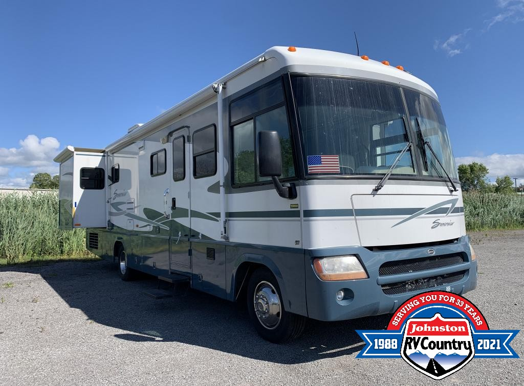 Johnston RV Country's 10 Tips for Driving Your New Motorhome